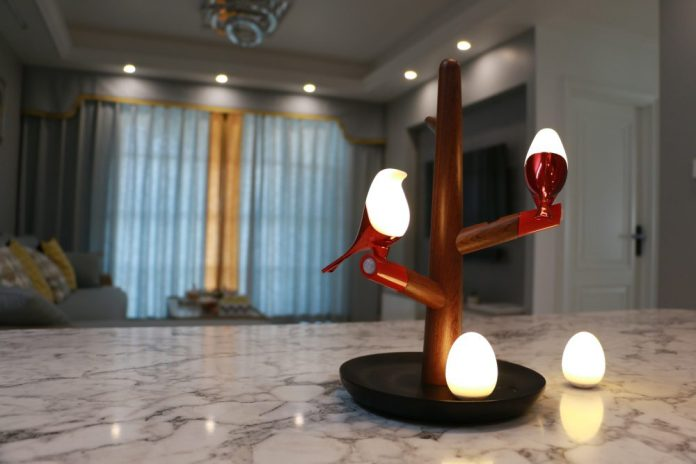 HomeTree Maglamp Design Happiness Magpie Pica Portable Lights Wireless Qi Charging Birds Tree Inside Home