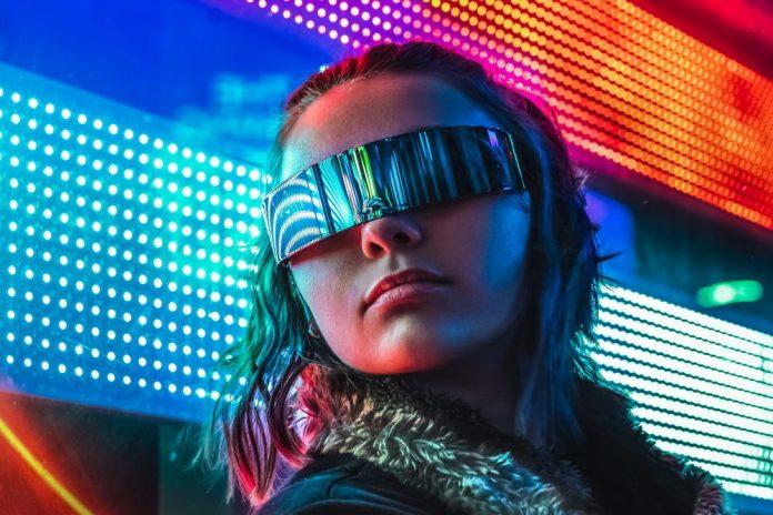 5G Smart City Hyperconnectivity IoT Cyberpunk Woman Photo Futuristic Visor Outfit Style Night Urban