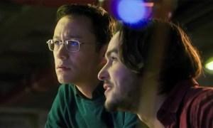 Oliver-Stone-Snowden-Joseph-Gordon-Levitt