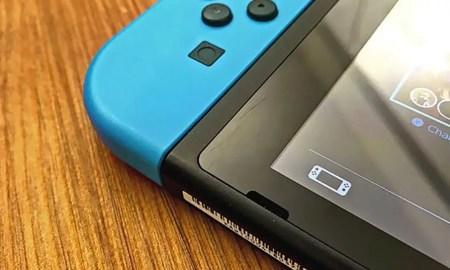 Nintendo-Switch-docks-scratching-Switch-screens