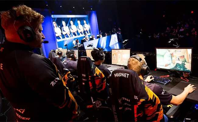 Playing Video Games Could Soon Earn You More Money Than
