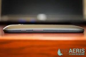 Motorola-Moto-E-LTE-Review-Buttons