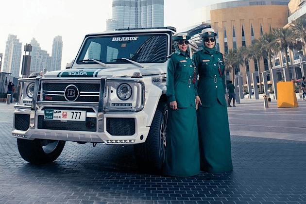 Dubai Police Car Wallpapers 700 Hp Brabus Mercedes G63 Amg Part Of Dubai Police Car