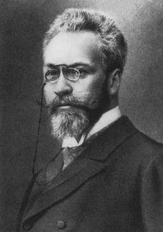 Portrait of a bearded man with glasses