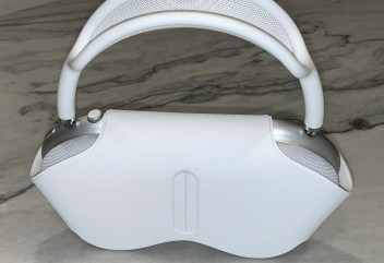 Apple Airpods Max smart case is shown in the picture