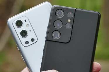 In S21 Ultra vs OnePlus 9 Pro Camera Comparison, the picture is showing both the smartphones camera