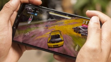 Picture showing Xiaomi Poco F1 as best gaming mobile