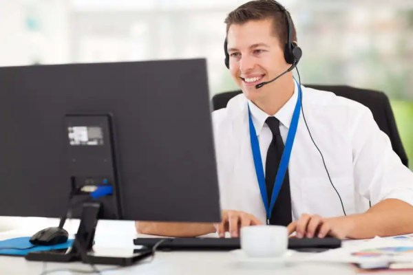 Lower cost of hiring technical support operator using Remote DBA Support Services
