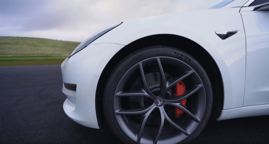 """Tesla Track Mode v2 is """"pretty cool"""" offers insane control over your Model  3 Performance. Could be even better. - techAU"""