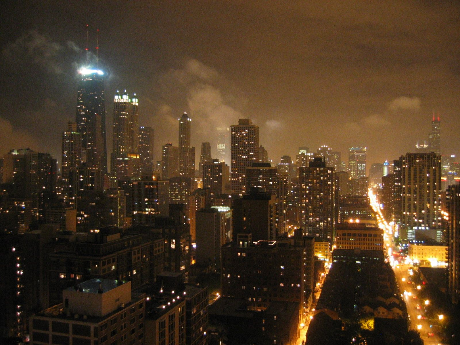Download chicago wallpapers chicago photos chicago hd backgrounds jrballejuly2004chicagoskylineatnight voltagebd Gallery