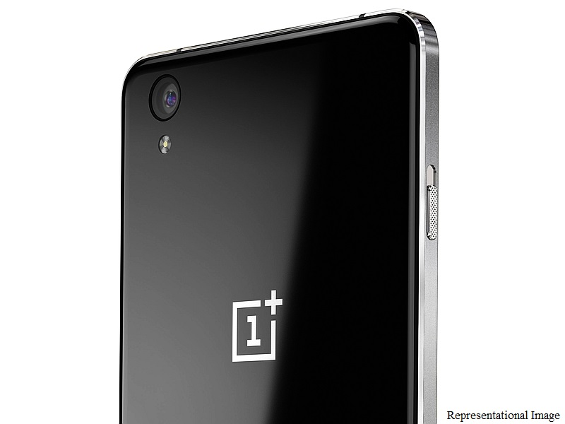 oneplus_x_black_back_top_crop