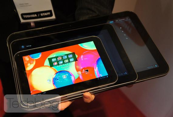 """Toshiba AT330 13,3 """"tablet comparação, com telas de 10,1"""" e 7,7 """""""