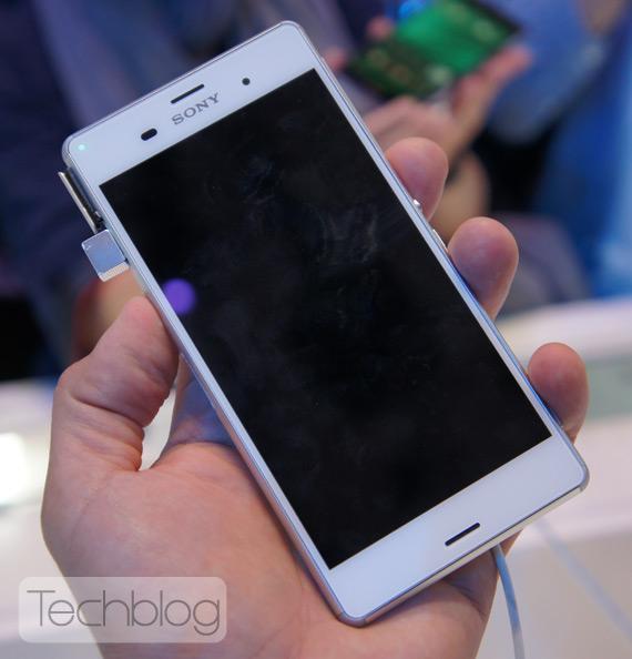 Sony-Xperia-Z3-hands-on-IFA-2014-1