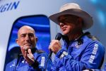 Jeff Bezos Offers NASA $2 billion In The Race To The Moon