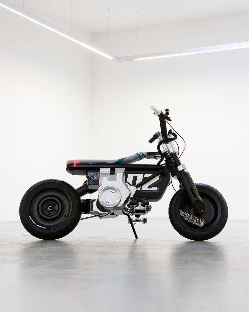 Debut BMW CE 02 Electric Mini-bike Menjelang Konferensi Mobilitas IAA