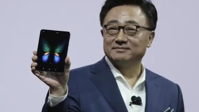 Samsung Galaxy Fold has been sold over 400,000 times says the CEO at CES 2020