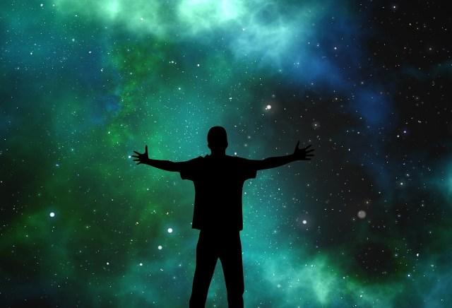 Máš rád vesmír? Tieto videá ti ukážu, aká je naša planéta malá a história  krátka