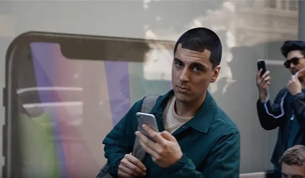 La obsesión de Samsung con Apple lo tiene ciego a lo que está pasando en el mercado