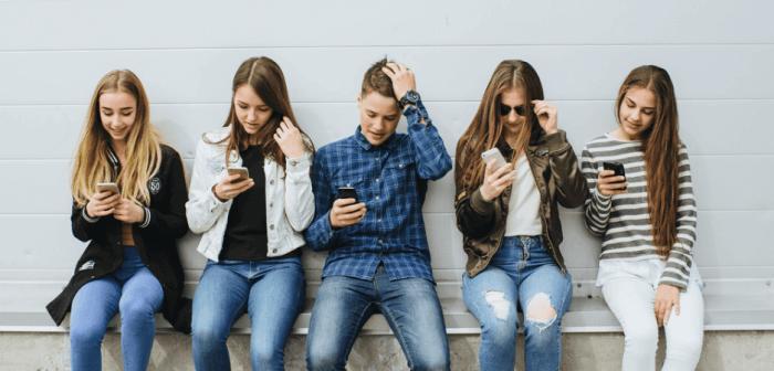 De la prohibición de los celulares en los colegios (y el corto-placismo que representa)