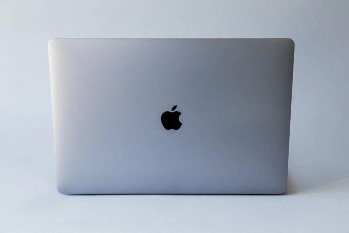 Si tiene uno de estos MacBook no podrá llevarlos en el avión