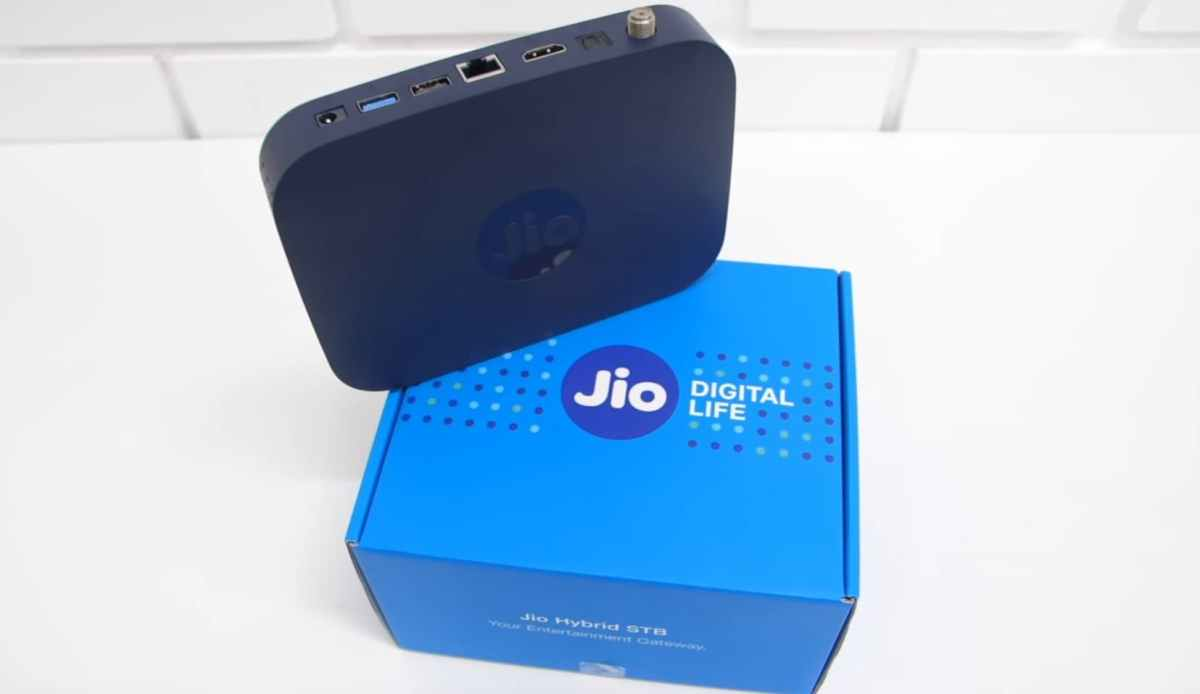 Den Networks Providing New Customers Jio Set Top Box