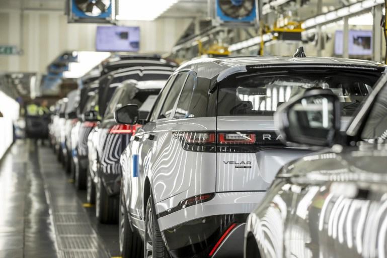 Blackberry partners Jaguar Land Rover