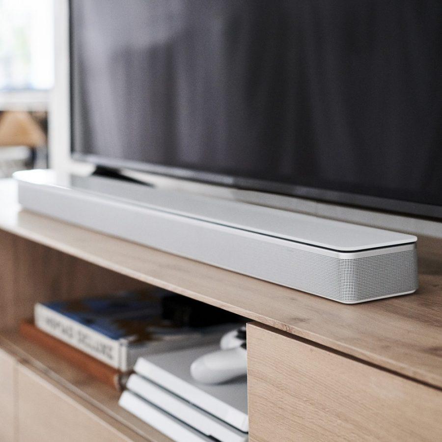 Bose Soundbar 700_silver with tv