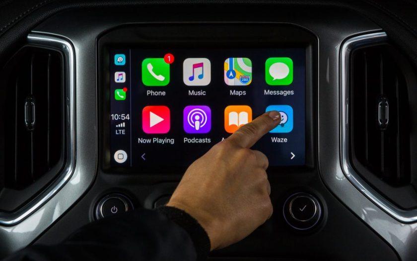 Waze App on Apple CarPlay