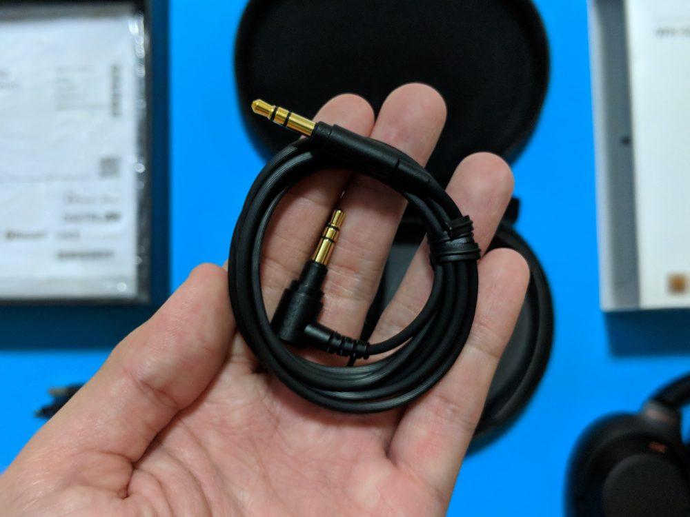 Sony WH-1000XM3 - Headphones cable