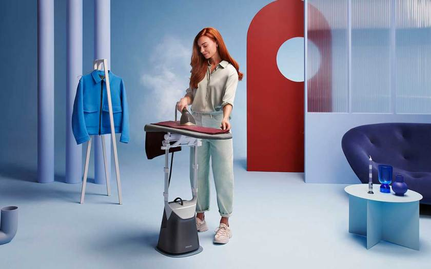 De-wrinkle your favorite outfits with ease with the Philips All-in-One 8000 Series
