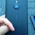 Το Lumia 1520 Εμφανίζεται Δίπλα Στο Xperia Z