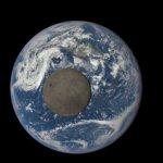 Η NASA Μας Δείχνει Τη Σκοτεινή Πλευρά Του Φεγγαριού