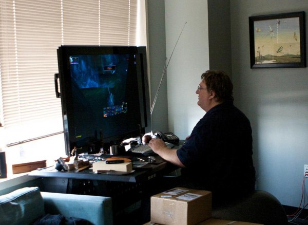 living room gaming pc ceiling lights modern gabe newell foresees a slew of pcs including one from valve in 2013