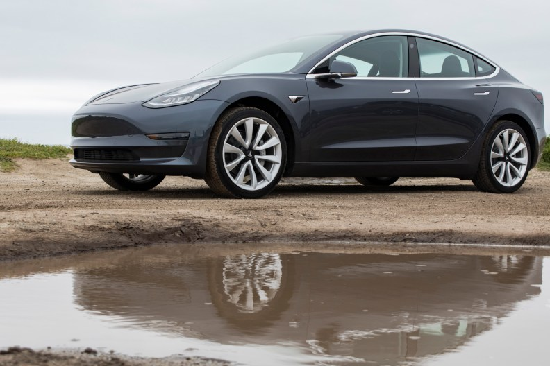 Tesla-Model-3-15