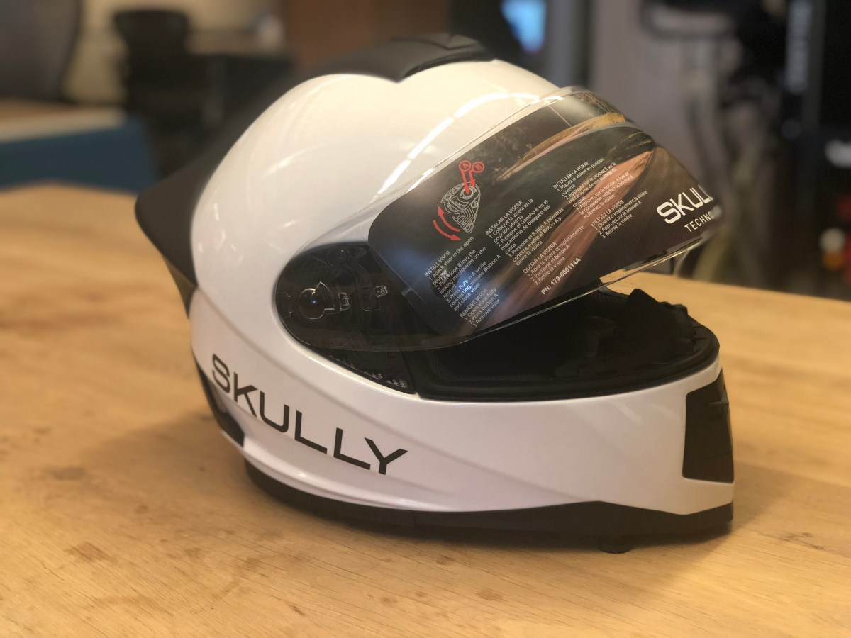 Skully AR motorcycle helmet returns from the dead under new ownership