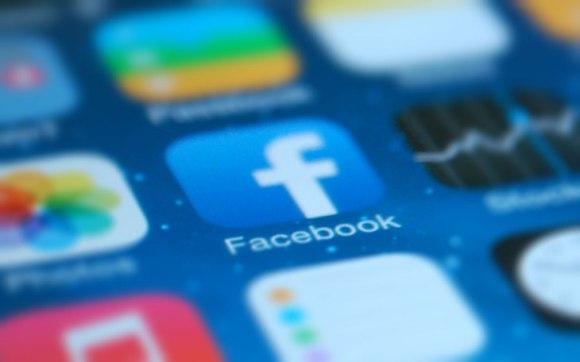 Facebook CEO Mark Zuckerberg hosts first test of Live Audio Rooms in US – TechCrunch