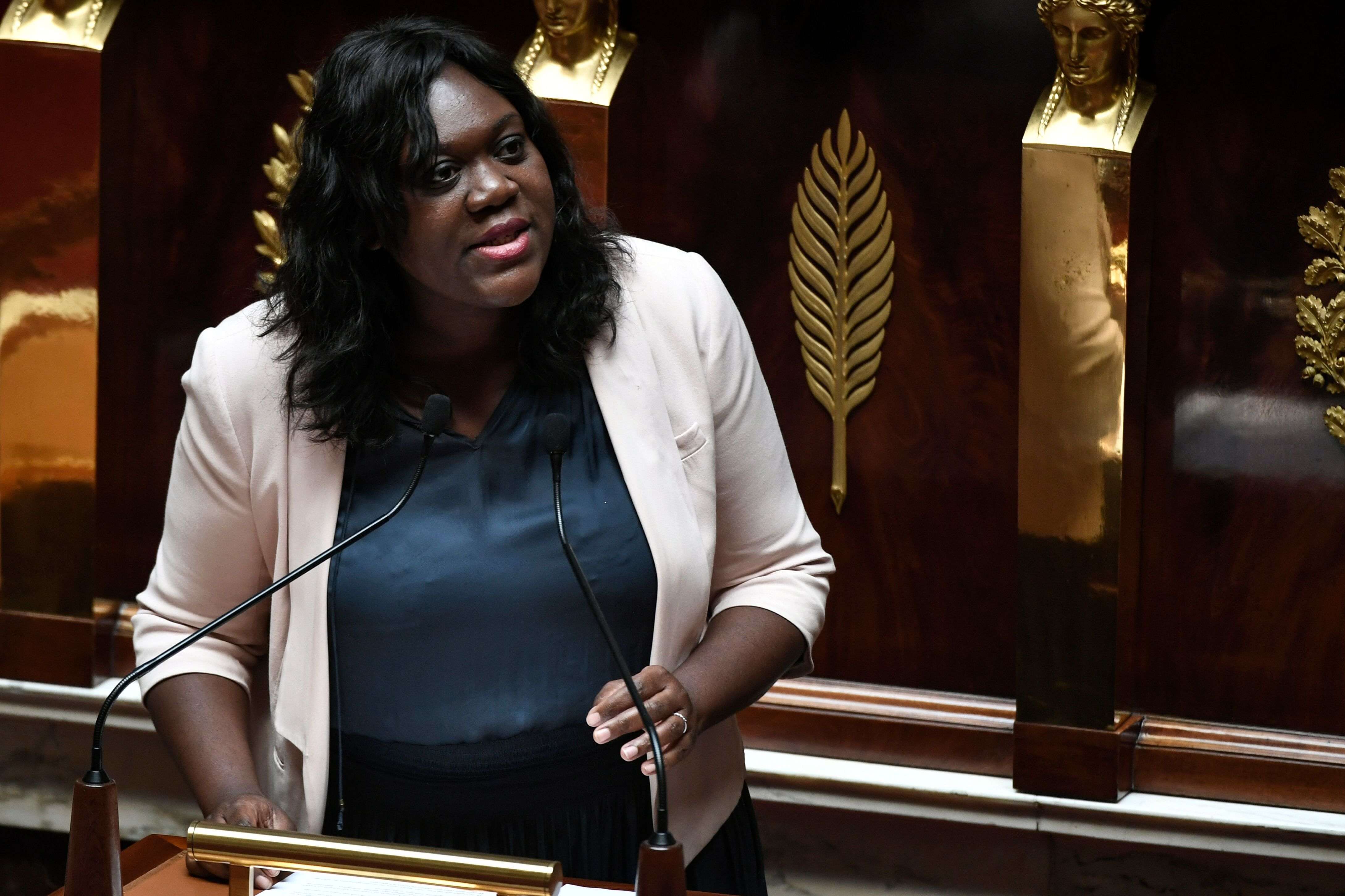 France passes law forcing online platforms to delete hate speech content within 24 hours thumbnail