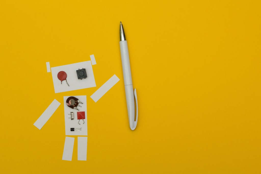 Robot paper holding pen, space for text