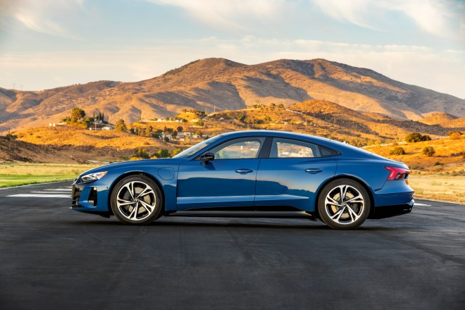 2022 Audi e-tron GT Ascari Blue_54