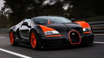 http---otowalls.com-wp-content-uploads-2014-08-Bugatti-Veyron-Luxury-Car-Wallpaper
