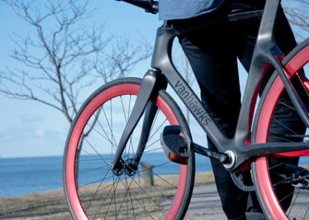 http---static.dezeen.com-uploads-2014-05-Valour-carbon-fibre-bicycle-by-Vanhawks_dezeen_81