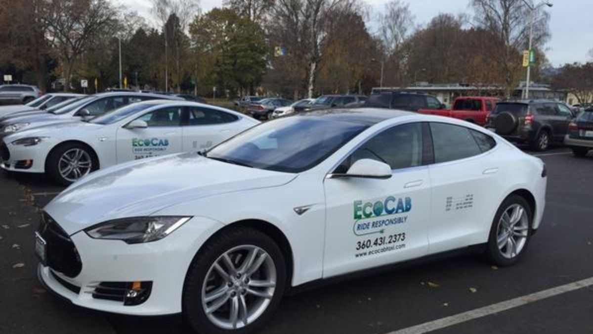 Tesla Cars Are Being Used As Cabs In Holland - TechDrive