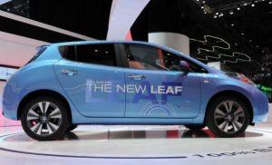 2015-Nissan-Leaf-Side1