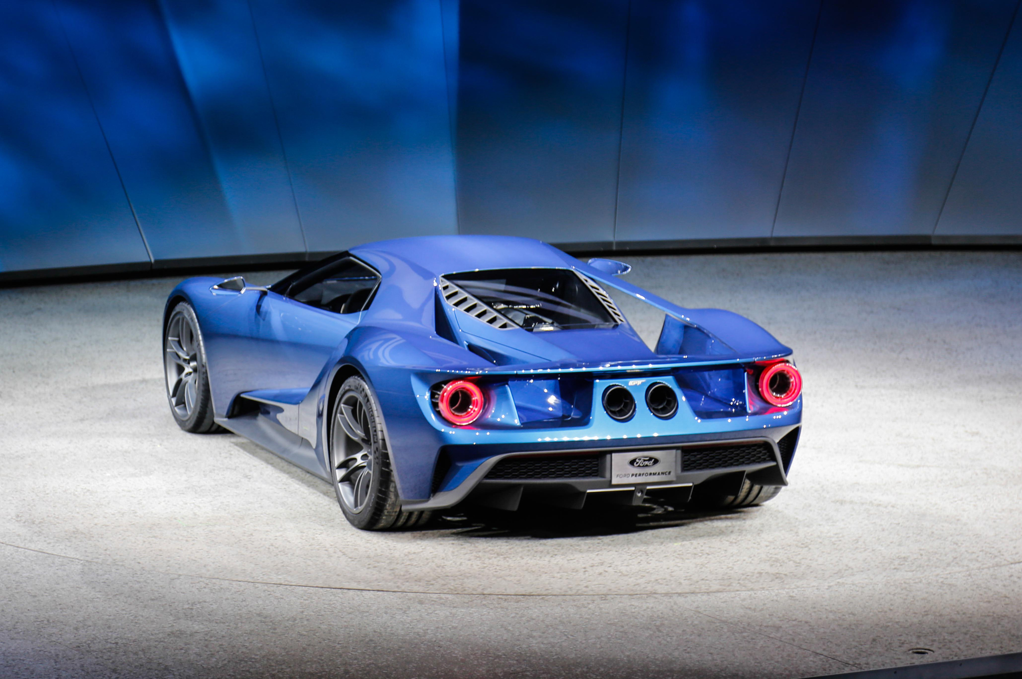NAIAS 2015| The Ford GT Is Spectacularly Revived - TechDrive