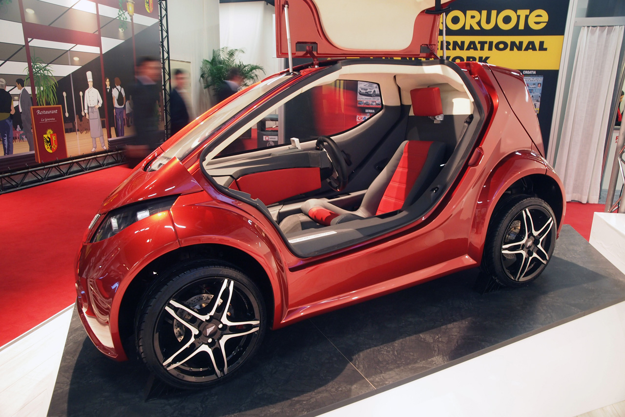 This One-Seat Car Is Just So Tiny Yet Super Cute - TechDrive