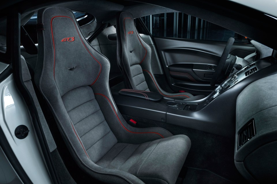 aston-martin-vantage-gt3-special-edition-interior