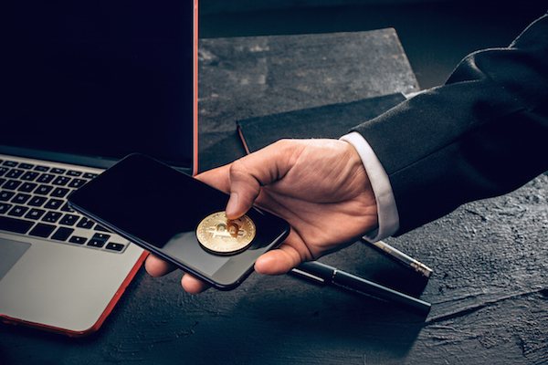La pasarela de pagos con criptomonedas CRIXTO llega a Venezuela