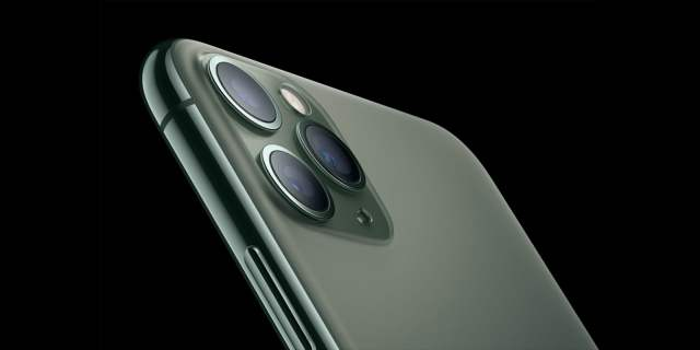 iPhone 11 Pro in midnight green