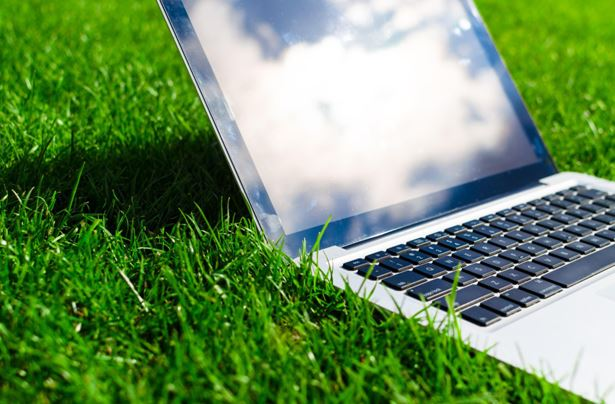 Tips on looking after a laptop in warm weather