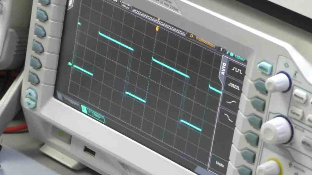 medium resolution of my oscilloscope